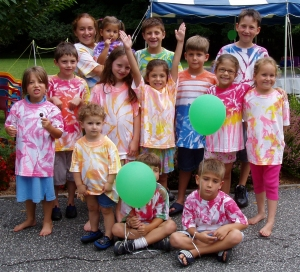 Example of easy tie-dye birthday party for kids