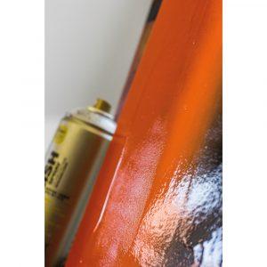 how to use montana varnish spray